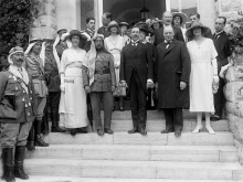 Winston_Churchill_and_Abdullah_I_of_Jordan_1921
